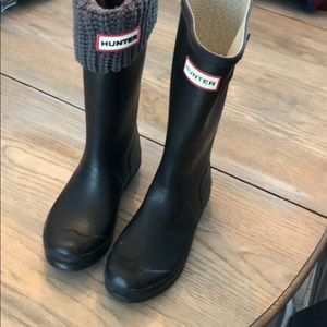 Hunter boots with knit liner